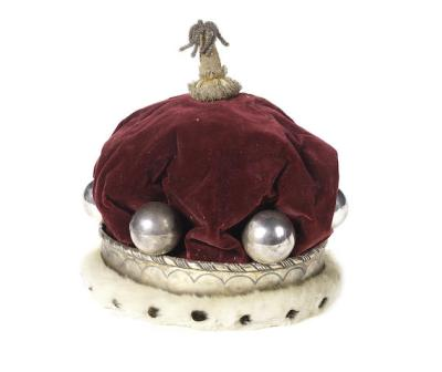 a-silver-ermine-and-red-velvet-barons-coronet